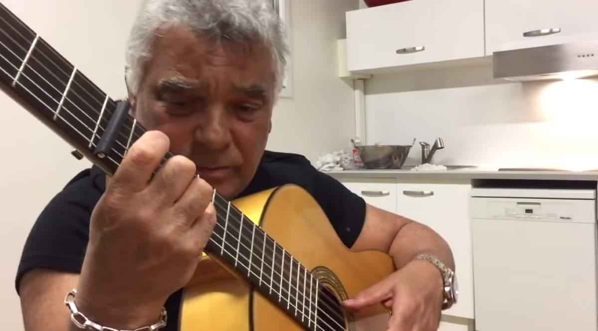 "Nicolas Reyes of Gipsy Kings sings ""Gitana Gitana"""